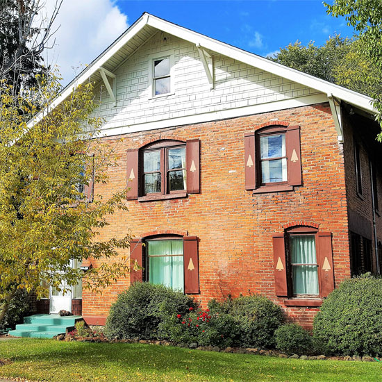 Bunk+Brew Historic Lucas House